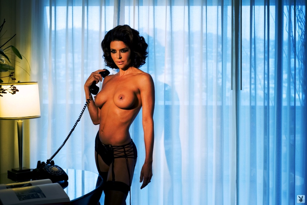 lisa-rinna-nude-playboy-fat-bottomed-girls-fuck