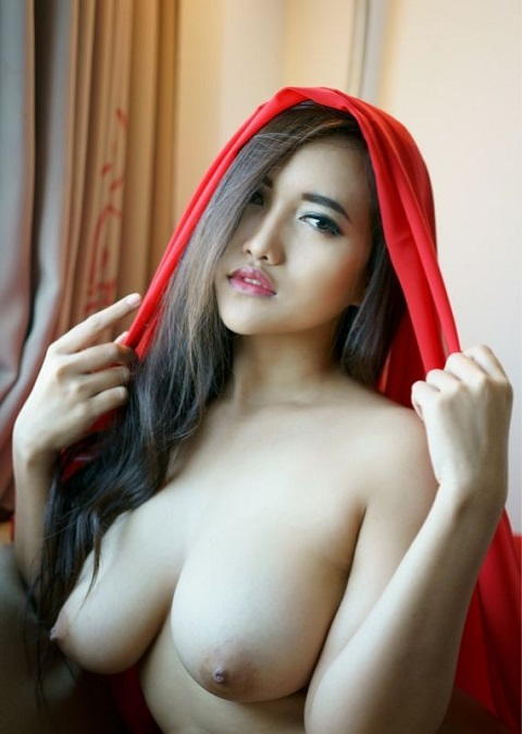 Beautiful malaysian naked girl