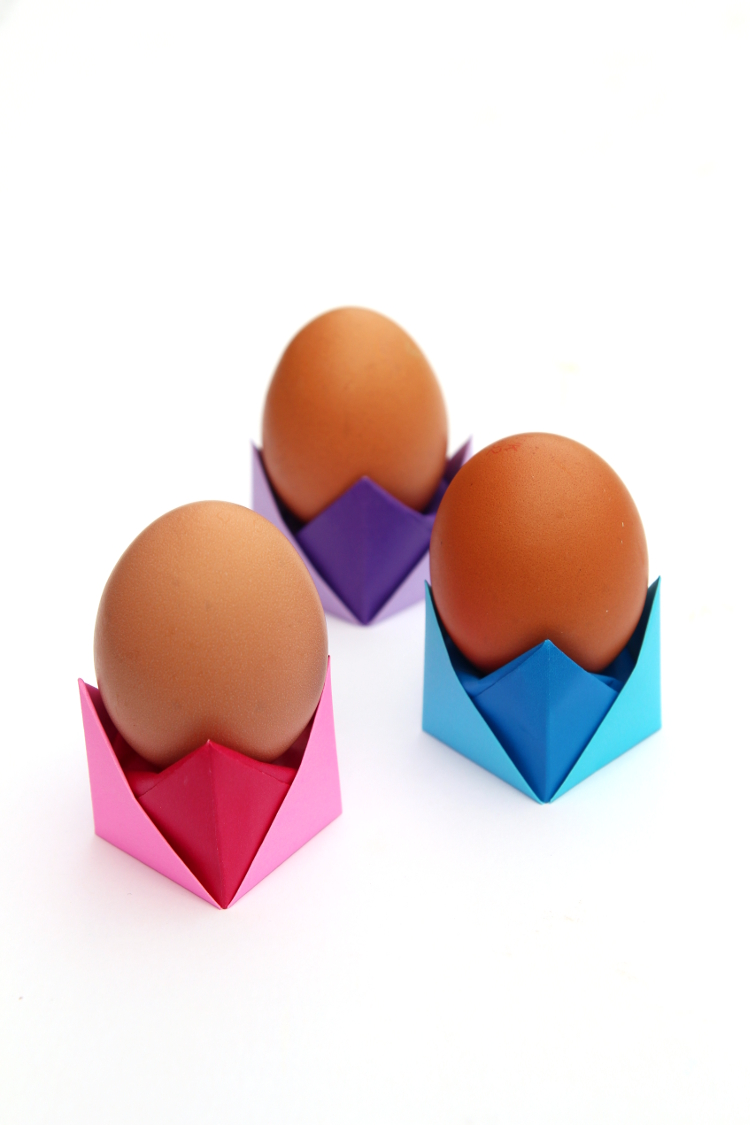 DIY ORIGAMI EGG CUPS (WITH VIDEO).