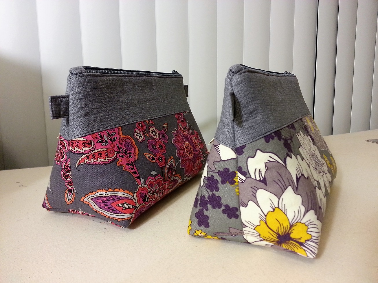 ... downloadable pattern from So Sew Easy (from which I got the boxy bag  pattern). She has TONS of free downloadable patterns and tutorials. 0f1bd9ceaefad