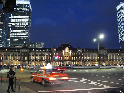 Restored Tokyo Station by night.