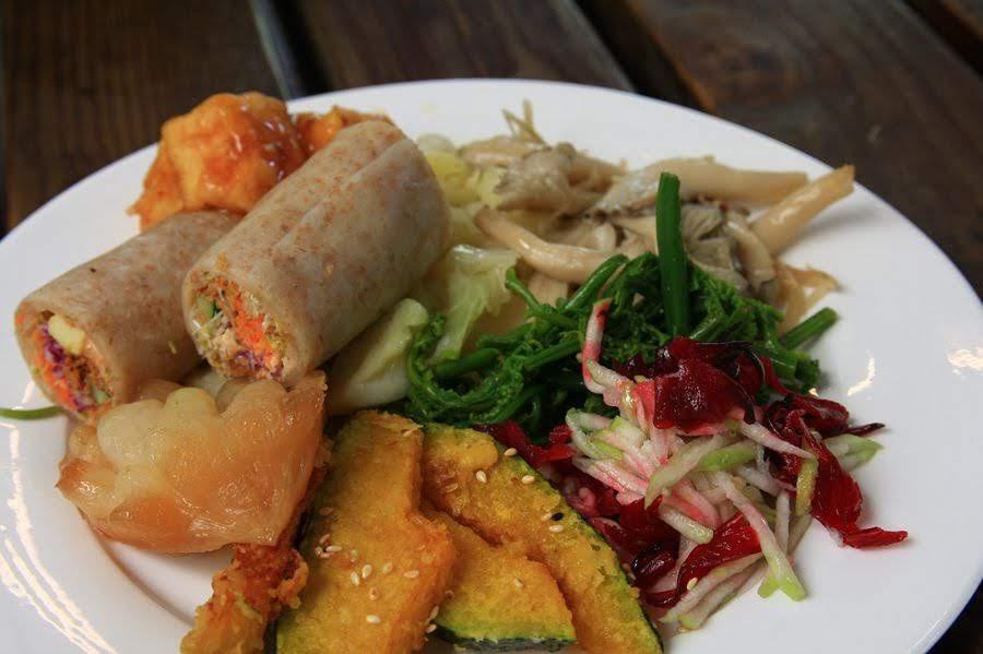 水里阿成的家-自助式餐廳料理