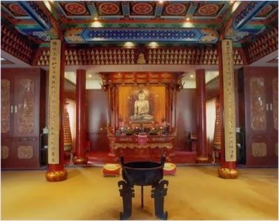 พระพุทธรูปปางนั่ง - วัดอวี้ฝอซื่อ (Jade Buddha Temple)