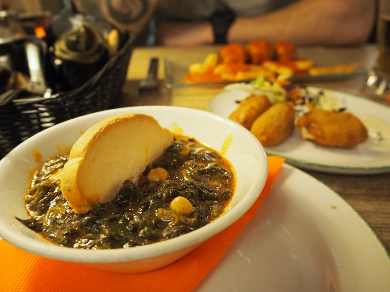 7 great places to eat in Seville - espinacas con garbonzas