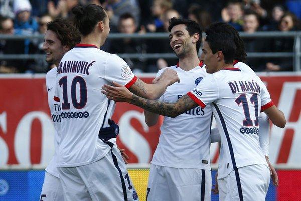 la joie de pastore et des parisiens après leur but contre troyes