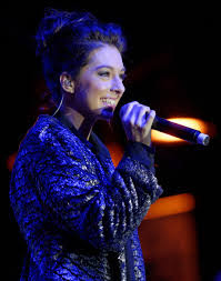 Penyanyi Jebolan The Voice America Christina Grimmie Meninggal Di Tembak Saat Konser