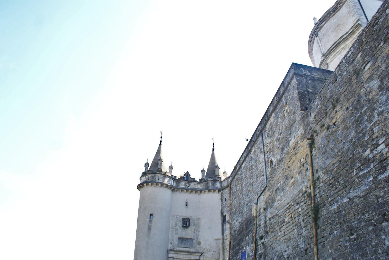 grignan drome provence rhone alpes france chateau