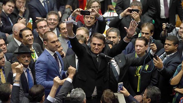 Jair Bolsonaro nega fugir de debates - Política Portal SPY