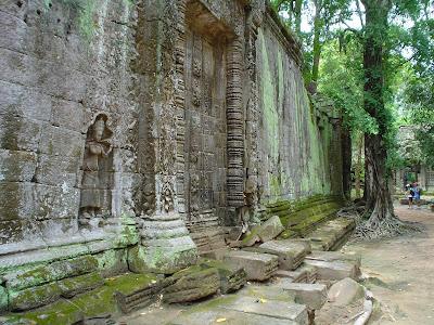 Rock Goddess carved - Angkor - Cambodia
