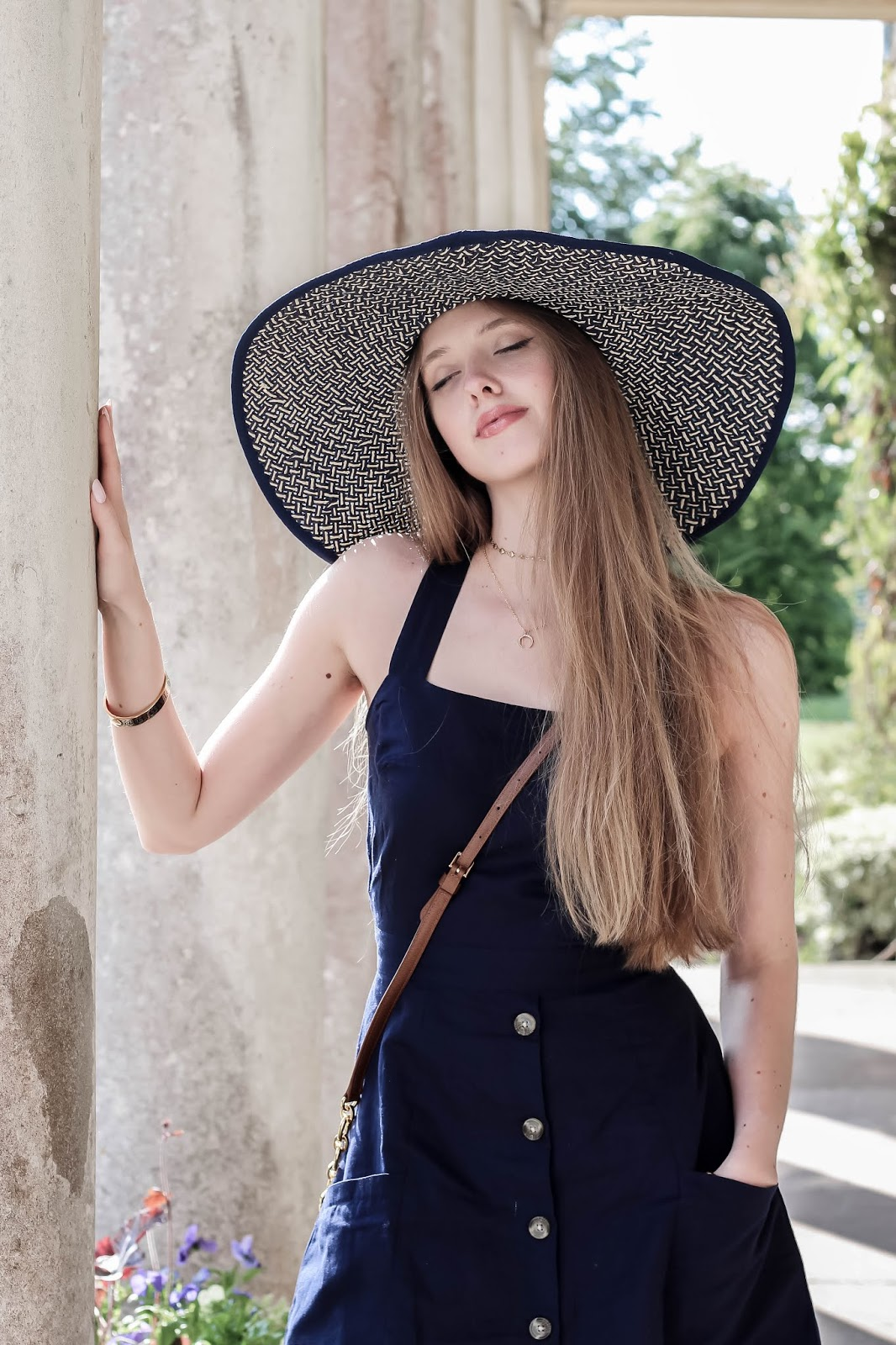 Styling Wide Brim Blue Hat for Summer