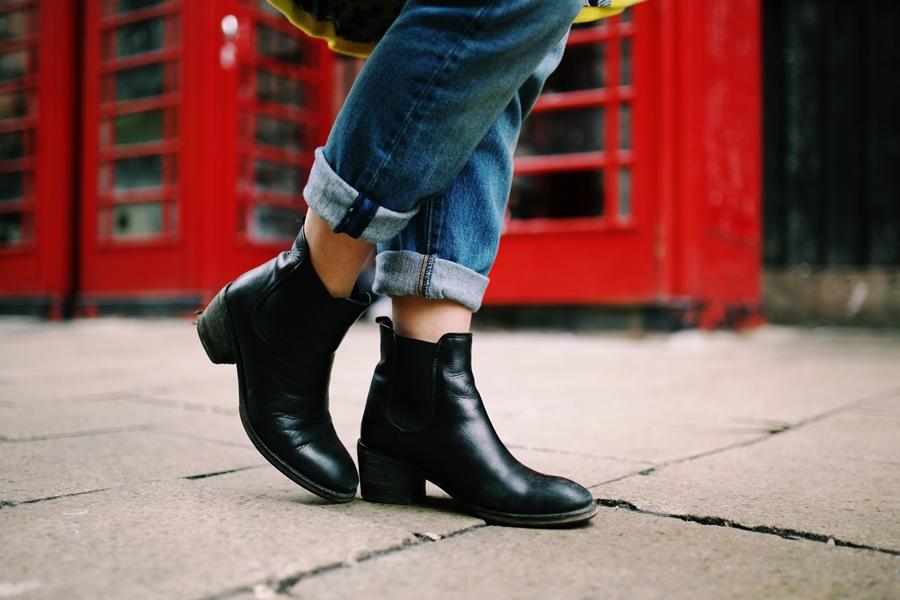 schwarze boots outfit london fashion week