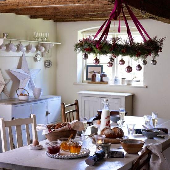 mesa navideña gris y blanco