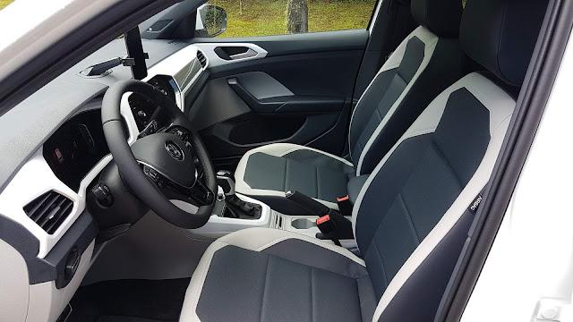 VW T-Cross Highline 250 TSI Automático - espaço interno