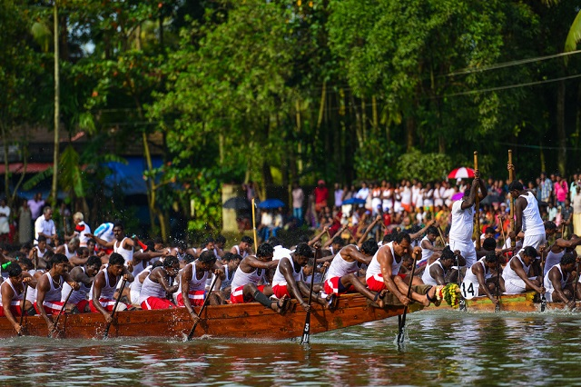 Nehru Trophy Snake Boat Race - Festivals in India in August