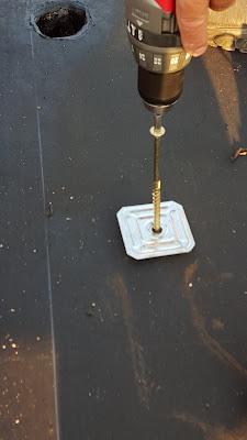 Tasselli per fissaggio del primo strato di guaina