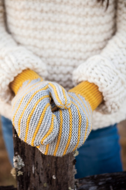 slanted, garter, stitch, knit, mittens, yellow, gray, stripe
