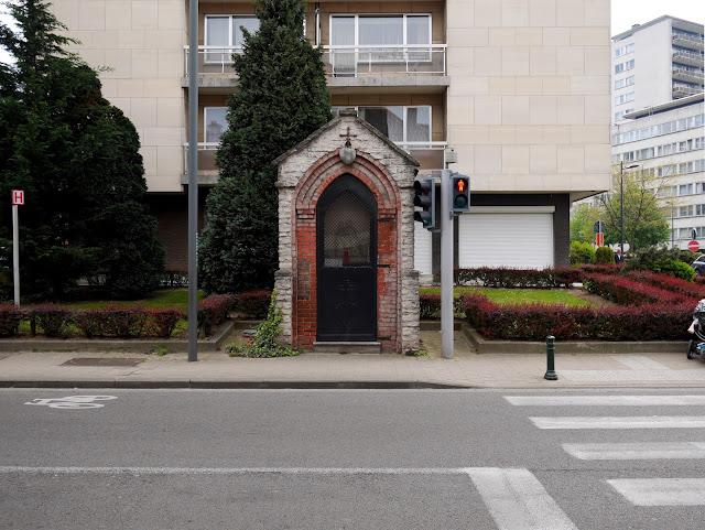 Garder l'église au milieu du village