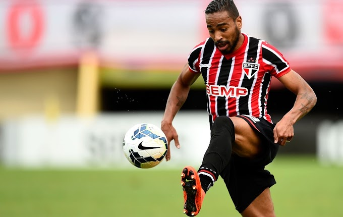 Álvaro Pereira diz que voltaria ao São Paulo por qualquer preço e brinca sobre Cavani