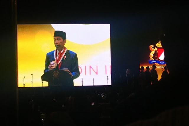 Jokowi Janjikan Lagi THR dan Gaji ke-13 Pensiunan PNS Tahun Depan