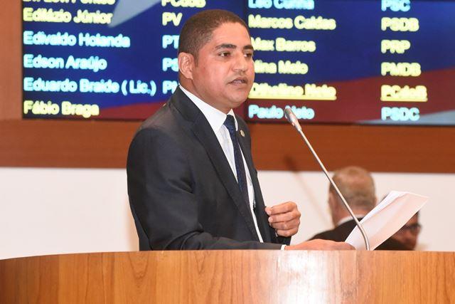 Deputado estadual Zé Inácio, do Partido dos Trabalhadores