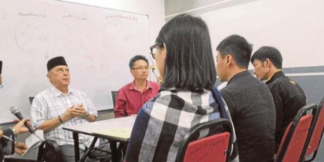 Menanti Selama 7 Tahun, Akhirnya Keinginan Pria Keturunan Tionghoa Ini Menjadi Muslim Tercapai