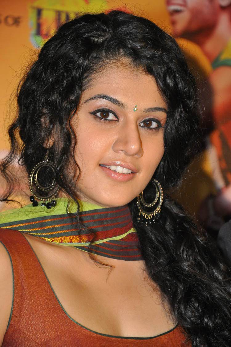 Tollyupdate Tapsee Pannu Latest Photos-8832