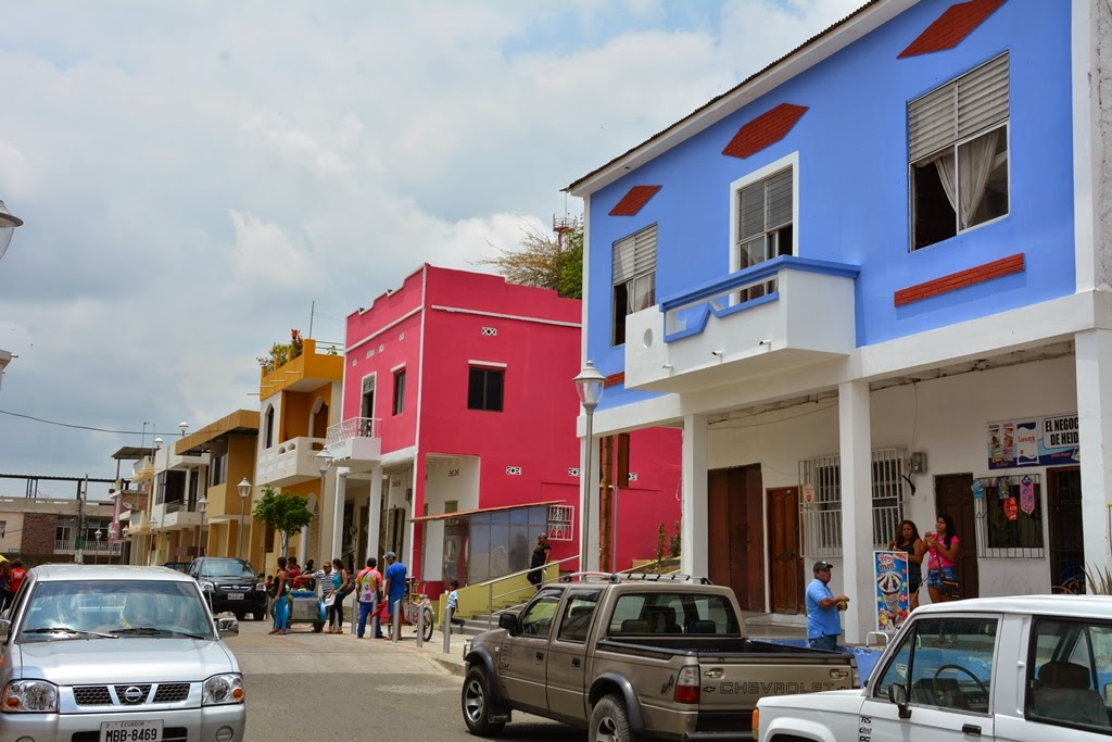 Montecristi color houses