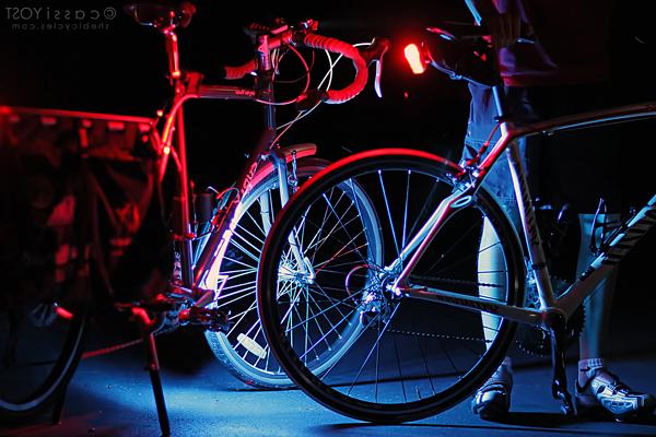 Bersepeda malam (cycling night).