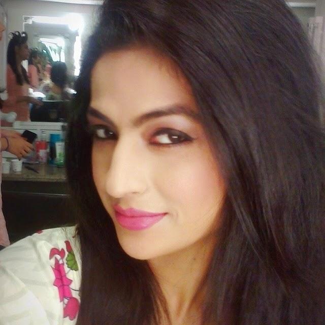 good morning 😊, Jesleen Slaich hot Selfie Pics - Punjabi Model / Actress