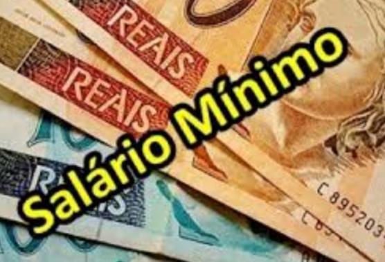 Governo propõe salário mínimo de R$ 1.002 para 2019
