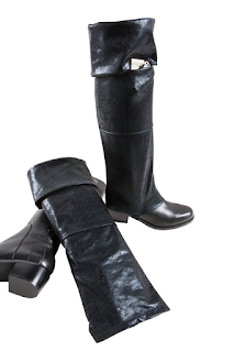 K'Mich Weddings - wedding planning - cracked black faux leather boot - gift ideas - Hulle Designs