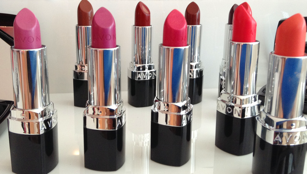Swatch Santa: 10 Avon Ultra Color SPF15 Lipsticks - Browns & Wines Edition