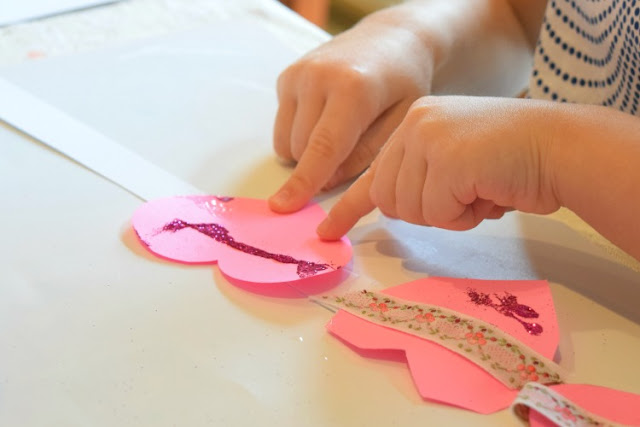 Valentine Crowns- Easy paper craft headband for preschool kids