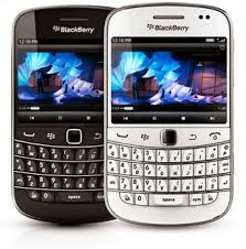 spesifikasi hape Blackberry 9900