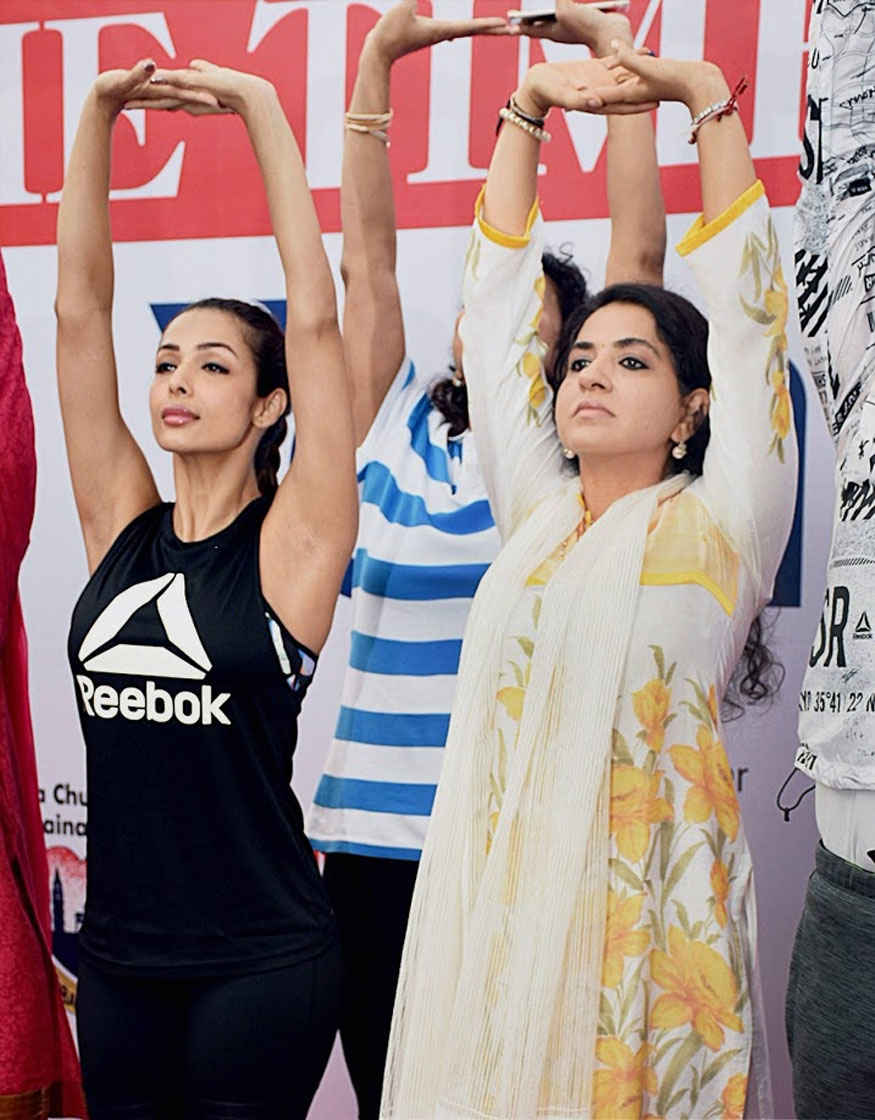 Malaika Arora with Shaina NC at 3rd International Yoga Day at Marine Drive in Mumbai
