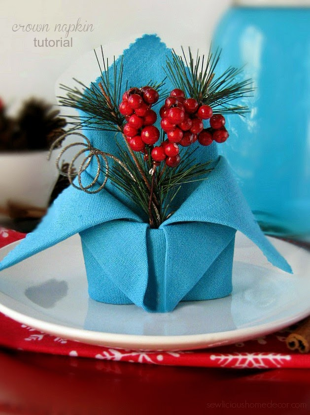 folded-holiday-crown-napkin-tutorial