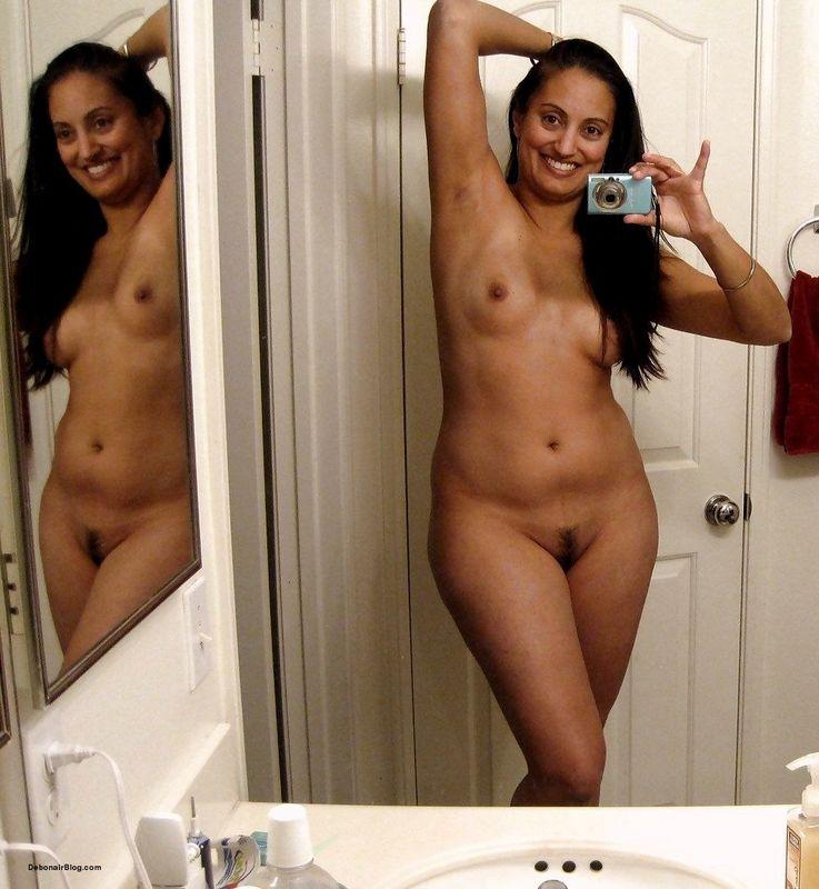 Xxx girls naked foto