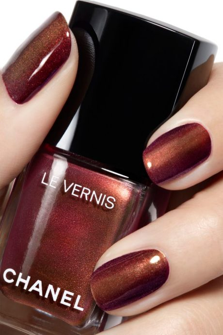Chanel Le Vernis Nail Polish Limited Edition Christmas Collection ...