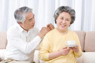 Bệnh loãng xương ở người già