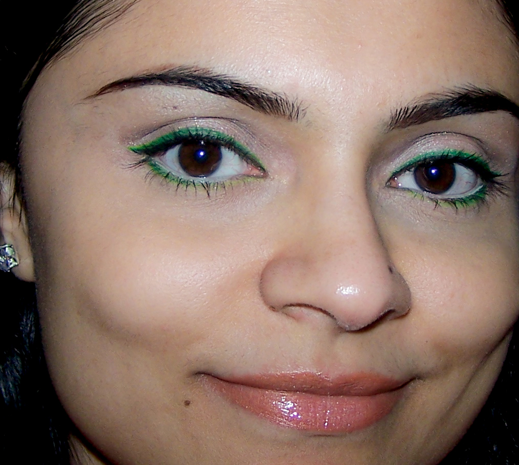 How To Wearable Green Eyeliner And Green Eyeshadow Look