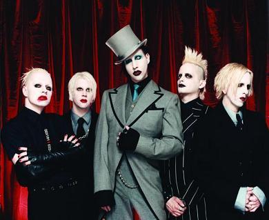 Foto de Marilyn Manson elegantes y pintados