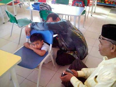 http://selongkar10.blogspot.com/2014/01/6-gelagat-kerenah-anak-di-hari-pertama.html