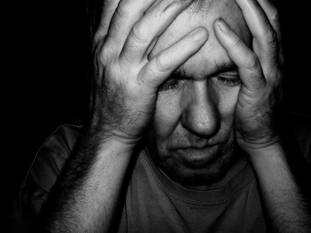 أسباب قلة النوم أسباب قلة النوم _يعاني العديد من الأشخاص من قلة النوم ما هي أسباب قلة النوم , و لماذا لا يستطيع الكثير من الناس النوم ليلاً ,  و هل هناك علاقة بين  قلة النوم و علم النفس , في حين أن أسباب قلة النوم في علم النفس تختلف عن أسباب قلة النوم في الطب العام و لكن يرجح غالباً أن قلة النوم هي سبب نغسي أكثر من سبب عضوي , و هل فعلاً أن اسباب قلة النوم عند النساء , تختلف عن اسباب قلة النوم عند الرجال , لا يبدو ذلك , و لكن البعض يشتكي من عدم النوم نهائيا و يسئل عن اسباب عدم النوم نهائيا أو اسباب عدم النوم بعمق .   علاج قلة النوم بالاعشاب  اسباب عدم النوم لايام  علاج قلة النوم بالقران  اسباب عدم القدرة على النوم رغم النعاس  اسباب عدم النوم ليلا والنوم نهارا   علاج مرض عدم النوم نهائيا  اسباب عدم النوم لايام  اسباب عدم النوم بعمق  اسباب عدم القدرة على النوم رغم النعاس  اسباب قلة النوم عند النساء  علاج قلة النوم بالقران  علاج قلة النوم بالاعشاب  عدم القدرة على النوم بسبب التفكير
