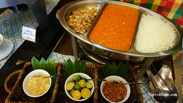 Hometown Iloilo Buffet by Freska - Iloilo Restaurant - pancit palabok