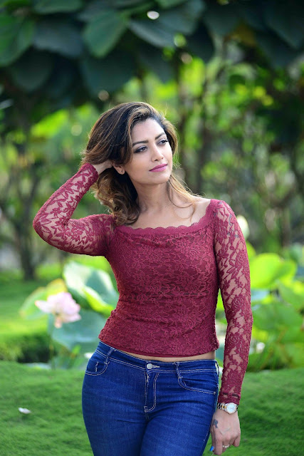 Mamta Mohandas Latest Photo In Jeans