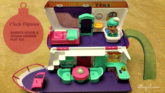 Sandy's House & Ocean Cruiser Playset