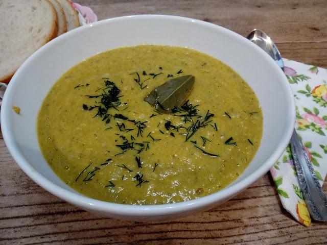 zupa krem z cukinii zupa krem z warzyw zupa krem jarzynowy z cukinia co zrobic z cukinii zupa z cukinii