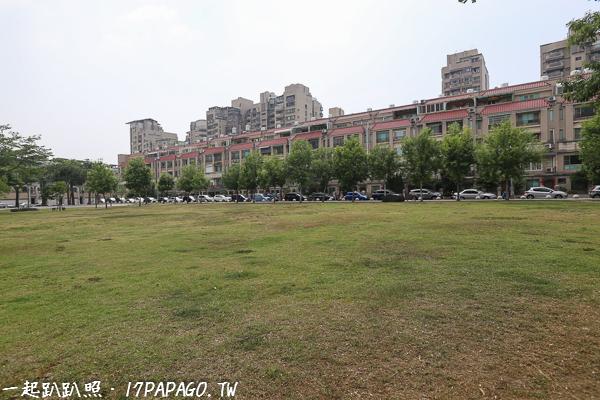 《台中.北屯》仁和廣福公園|大象磨石子溜滑梯|沙坑|綠草坪|特色公園|親子景點|12感官遊具