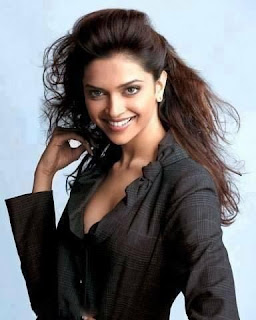 Deepika Padukone Beautiful Smiley Picture
