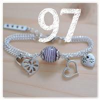 bracelet violet et cœurs sur-mesure